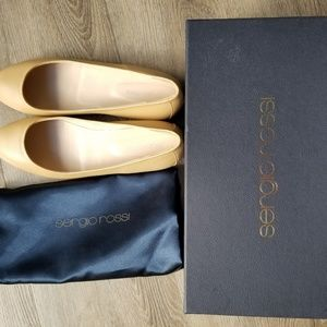 Sergio Rossi round toe leather ballet flats